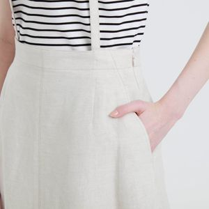 ショルダーストラップスカート
