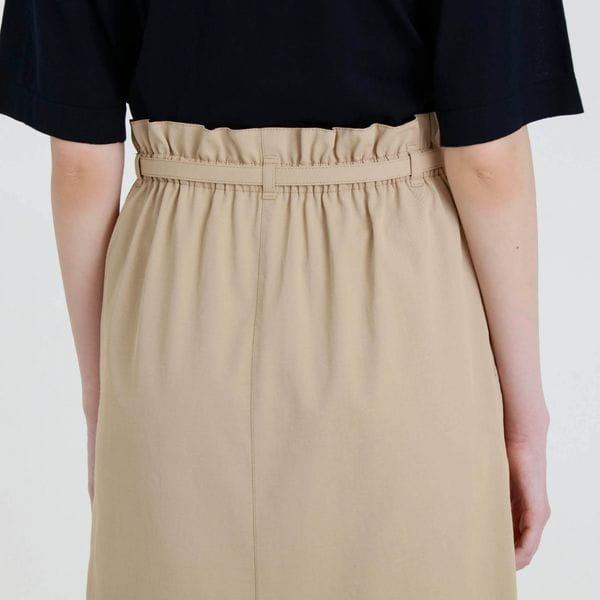 フロントタックタイトスカート